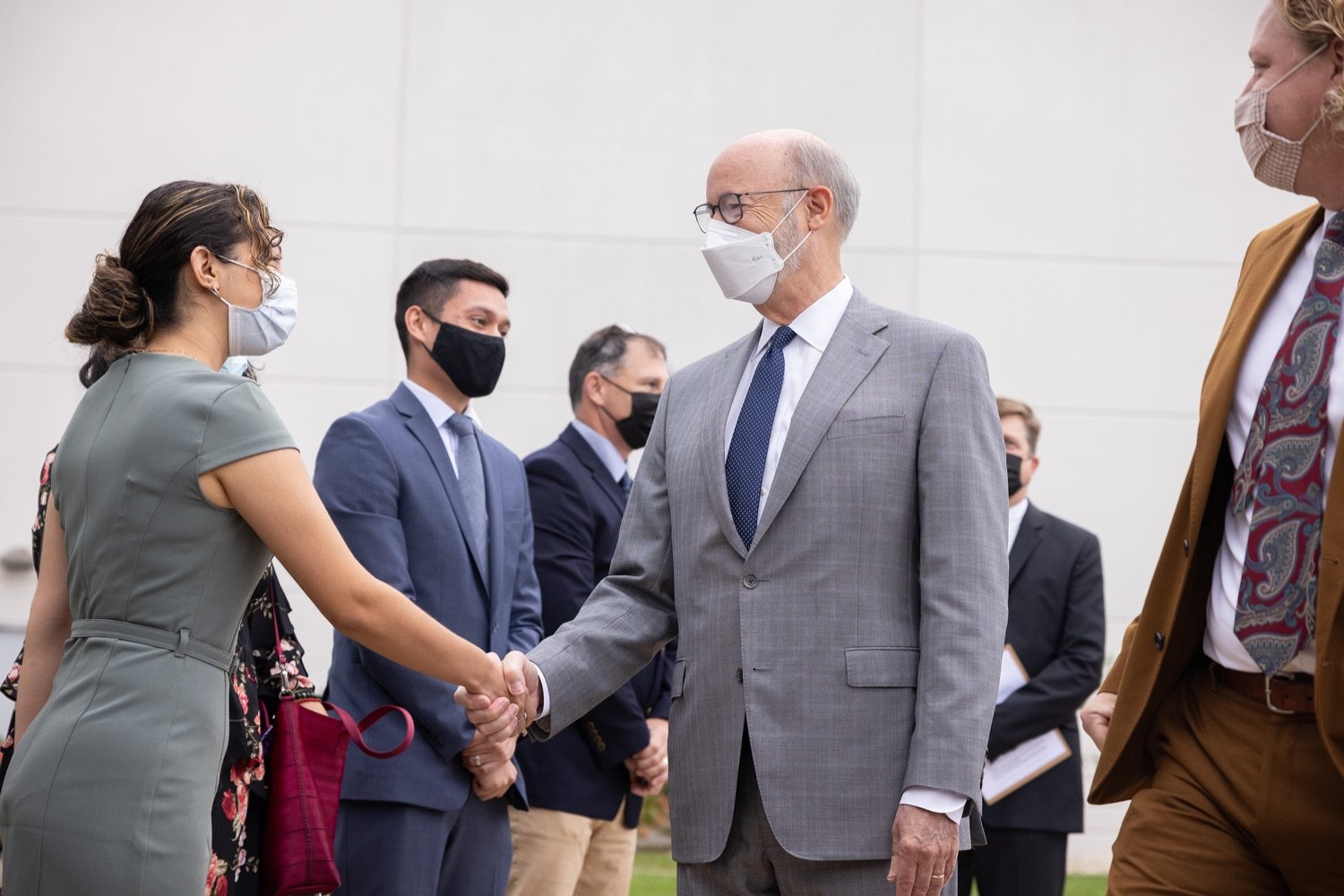 """<a href=""""https://filesource.wostreaming.net/commonwealthofpa/photo/20138_gov_BioTechniqueRibbon_dz_006.JPG"""" target=""""_blank"""">⇣Download Photo<br></a>Pennsylvania Governor Tom Wolf greeting BioTechnique employees.Governor Tom Wolf today joined BioTechnique CEO John Clapham, the Department of Community and Economic Developments (DCED) Governors Action Team (GAT), York County Economic Alliance CEO Kevin Schreiber, and local officials at the ribbon cutting ceremony for BioTechniques new pharmaceutical manufacturing facility in York County.   OCTOBER 12, 2021 - YORK, PA"""