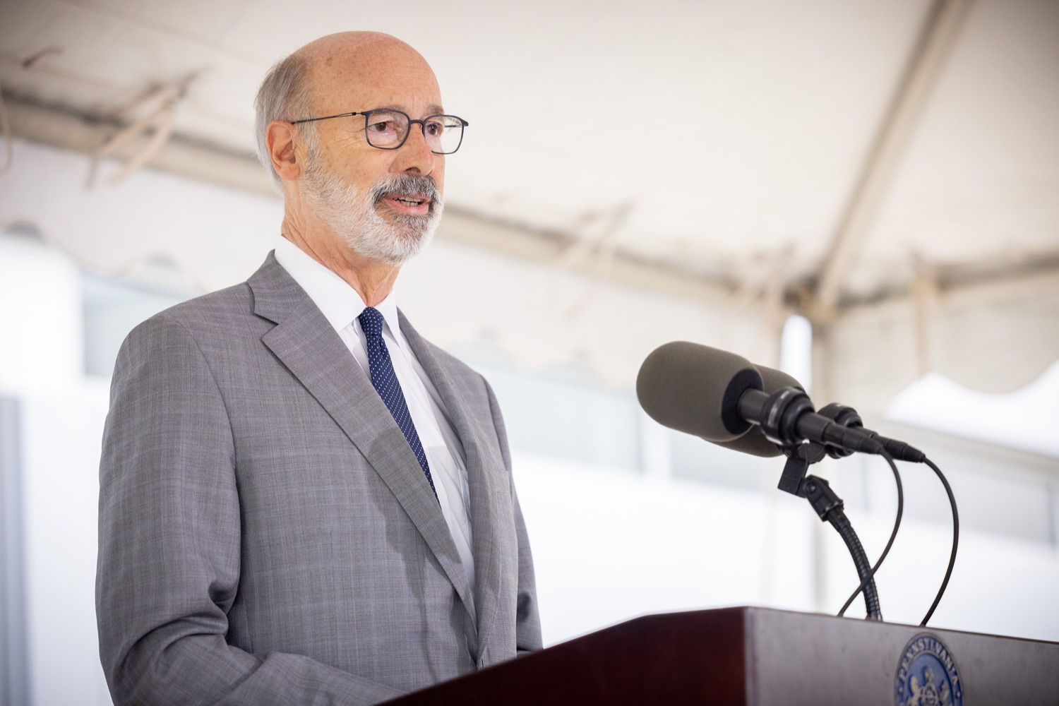 """<a href=""""https://filesource.wostreaming.net/commonwealthofpa/photo/20138_gov_BioTechniqueRibbon_dz_009.JPG"""" target=""""_blank"""">⇣Download Photo<br></a>Pennsylvania Governor Tom Wolf speaking with the press.  Governor Tom Wolf today joined BioTechnique CEO John Clapham, the Department of Community and Economic Developments (DCED) Governors Action Team (GAT), York County Economic Alliance CEO Kevin Schreiber, and local officials at the ribbon cutting ceremony for BioTechniques new pharmaceutical manufacturing facility in York County.   OCTOBER 12, 2021 - YORK, PA"""