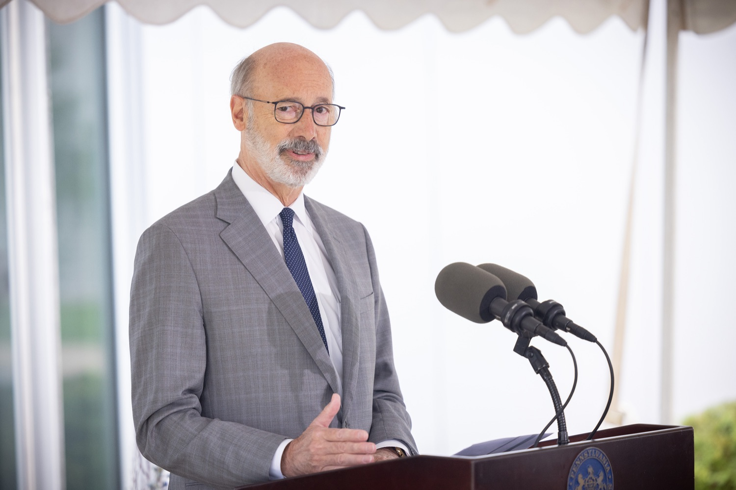 """<a href=""""https://filesource.wostreaming.net/commonwealthofpa/photo/20138_gov_BioTechniqueRibbon_dz_011.JPG"""" target=""""_blank"""">⇣Download Photo<br></a>Pennsylvania Governor Tom Wolf speaking with the press.  Governor Tom Wolf today joined BioTechnique CEO John Clapham, the Department of Community and Economic Developments (DCED) Governors Action Team (GAT), York County Economic Alliance CEO Kevin Schreiber, and local officials at the ribbon cutting ceremony for BioTechniques new pharmaceutical manufacturing facility in York County.   OCTOBER 12, 2021 - YORK, PA"""