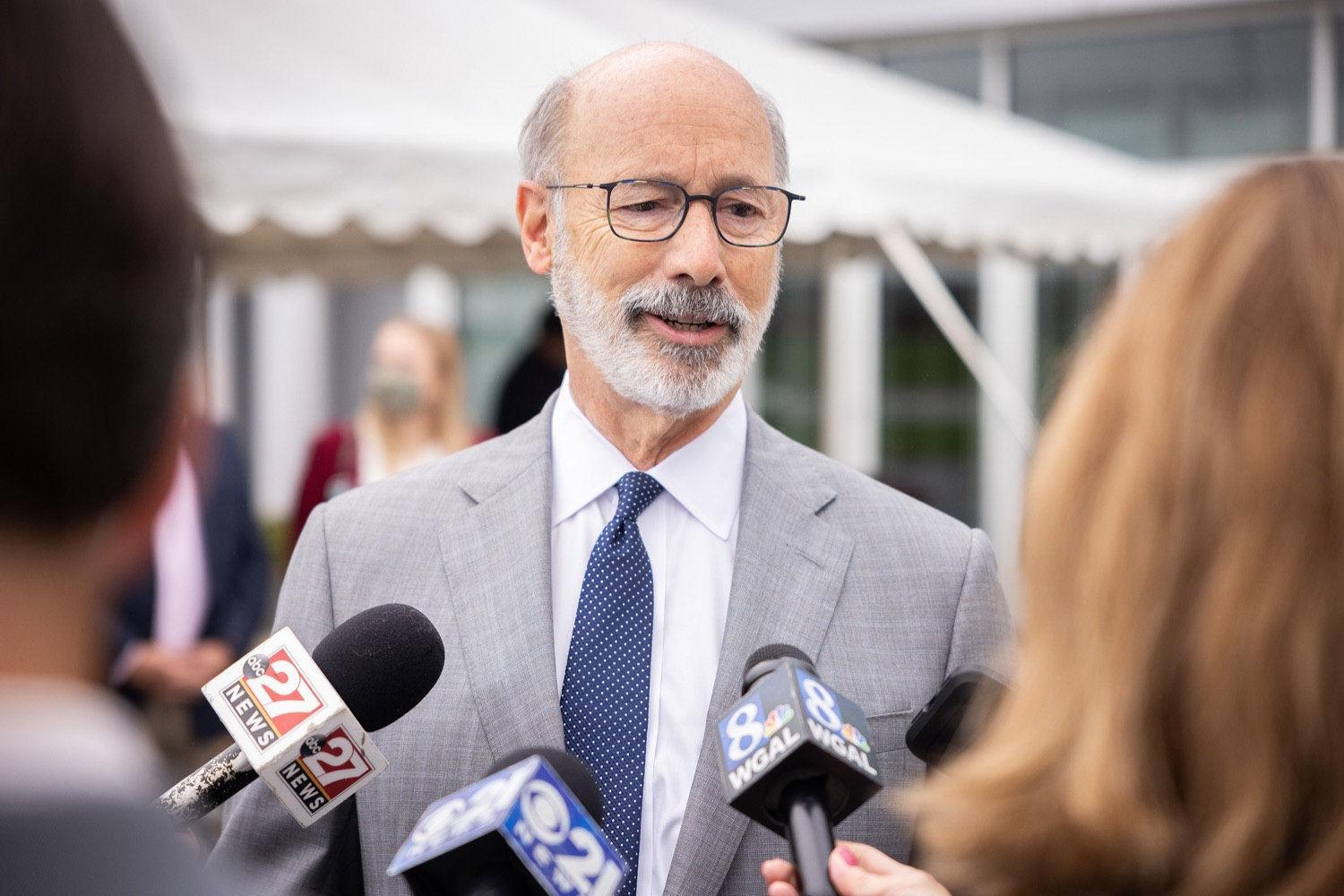"""<a href=""""https://filesource.wostreaming.net/commonwealthofpa/photo/20138_gov_BioTechniqueRibbon_dz_012.JPG"""" target=""""_blank"""">⇣Download Photo<br></a>Pennsylvania Governor Tom Wolf speaking with the press.  Governor Tom Wolf today joined BioTechnique CEO John Clapham, the Department of Community and Economic Developments (DCED) Governors Action Team (GAT), York County Economic Alliance CEO Kevin Schreiber, and local officials at the ribbon cutting ceremony for BioTechniques new pharmaceutical manufacturing facility in York County.   OCTOBER 12, 2021 - YORK, PA"""