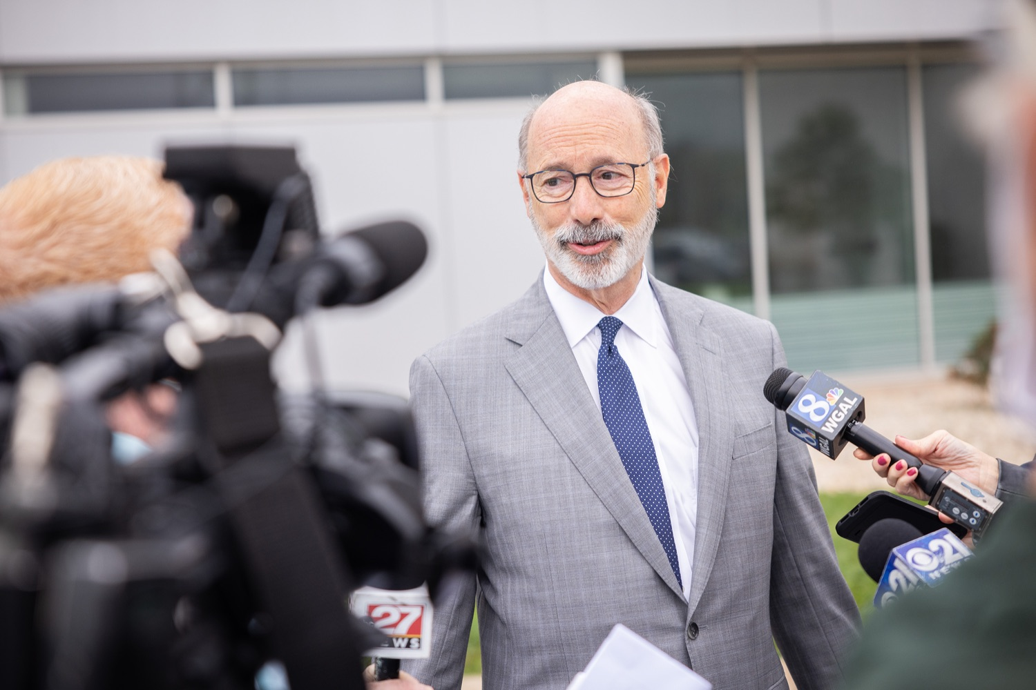 """<a href=""""https://filesource.wostreaming.net/commonwealthofpa/photo/20138_gov_BioTechniqueRibbon_dz_019.JPG"""" target=""""_blank"""">⇣Download Photo<br></a>Pennsylvania Governor Tom Wolf speaking with the press.  Governor Tom Wolf today joined BioTechnique CEO John Clapham, the Department of Community and Economic Developments (DCED) Governors Action Team (GAT), York County Economic Alliance CEO Kevin Schreiber, and local officials at the ribbon cutting ceremony for BioTechniques new pharmaceutical manufacturing facility in York County.   OCTOBER 12, 2021 - YORK, PA"""