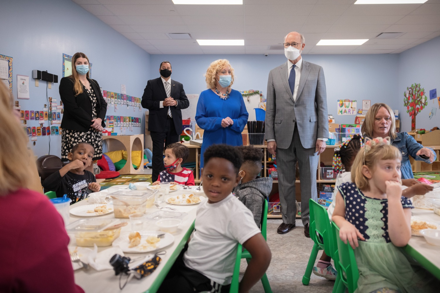 """<a href=""""https://filesource.wostreaming.net/commonwealthofpa/photo/20139_gov_childcare_dz_030.jpg"""" target=""""_blank"""">⇣Download Photo<br></a>Pennsylvania Governor Tom Wolf and Rina Irwin, CEO, Child Development Centers taking a tour of the Gilson Child Development Center.  Governor Tom Wolf today visited Gilson Child Development Center in Erie to celebrate the $30 million increase in state funding to expand early childhood learning to more than 3,200 additional young children and the $655 million available in federal funding to stabilize childcare providers during the pandemic.  Erie, PA  October 12, 2021"""