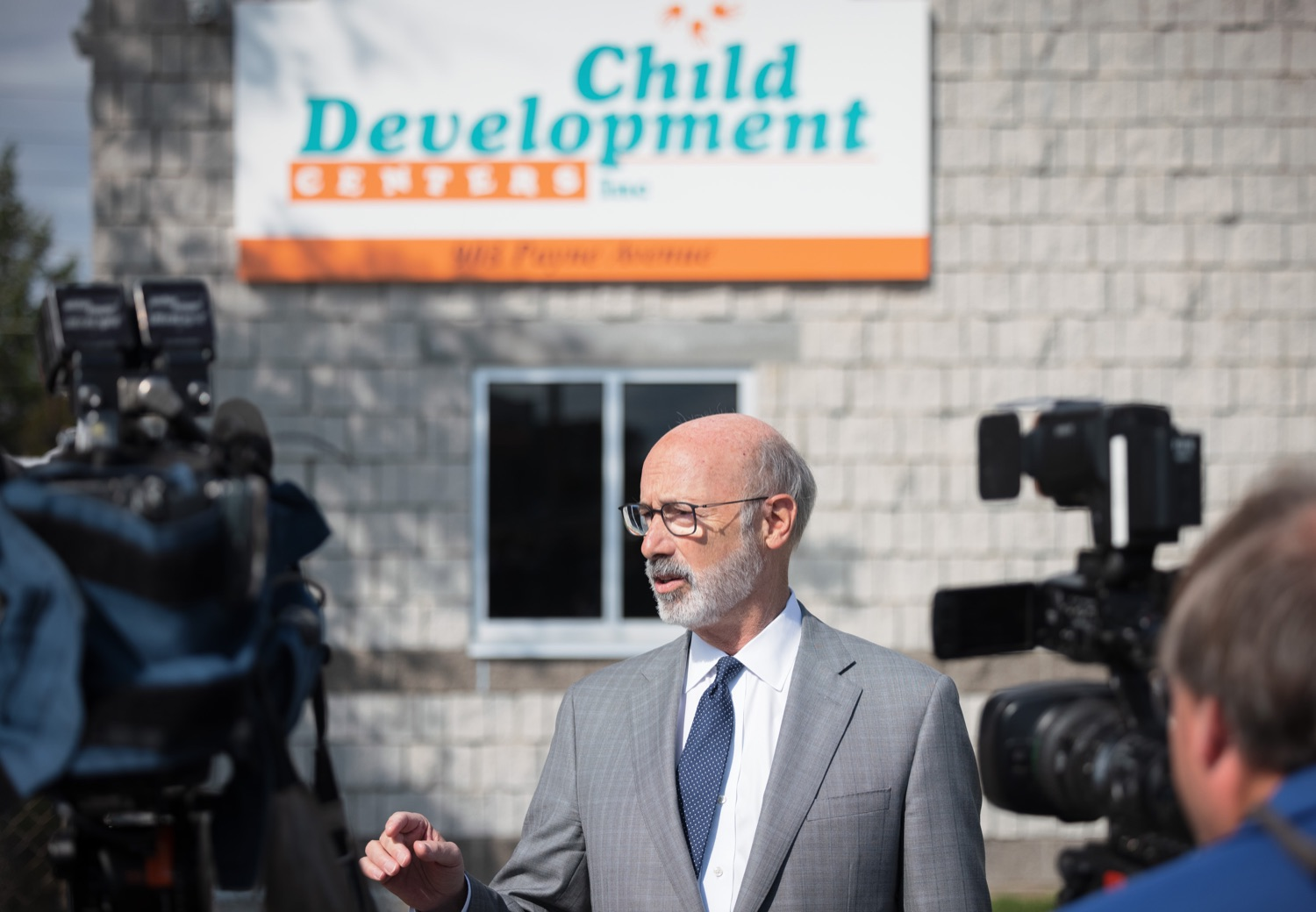 """<a href=""""https://filesource.wostreaming.net/commonwealthofpa/photo/20139_gov_childcare_dz_035.jpg"""" target=""""_blank"""">⇣Download Photo<br></a>Pennsylvania Governor Tom Wolf speaking with the press.  Governor Tom Wolf today visited Gilson Child Development Center in Erie to celebrate the $30 million increase in state funding to expand early childhood learning to more than 3,200 additional young children and the $655 million available in federal funding to stabilize childcare providers during the pandemic.  Erie, PA  October 12, 2021"""