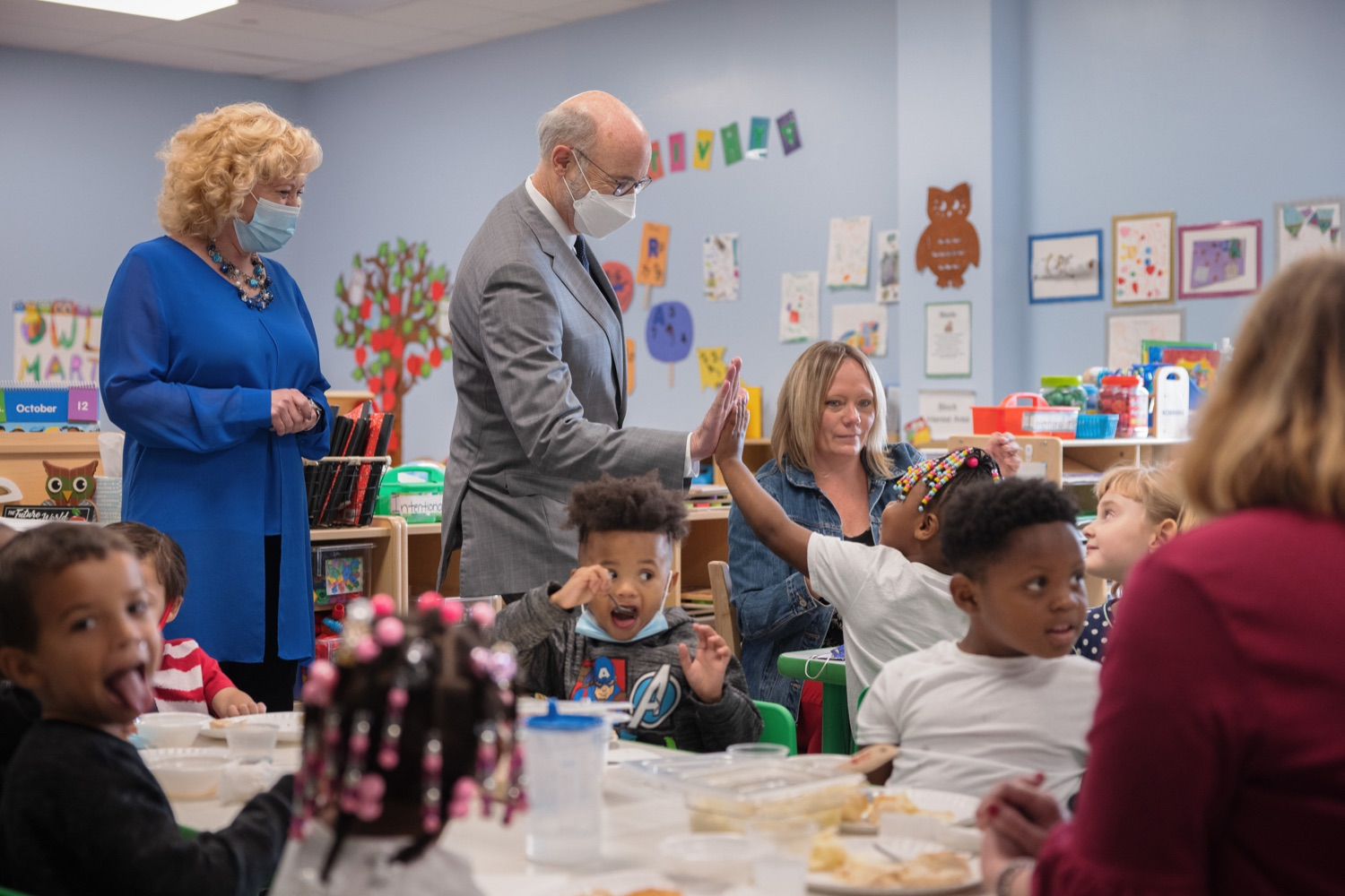 """<a href=""""https://filesource.wostreaming.net/commonwealthofpa/photo/20139_gov_childcare_dz_036.jpg"""" target=""""_blank"""">⇣Download Photo<br></a>Pennsylvania Governor Tom Wolf and Rina Irwin, CEO, Child Development Centers taking a tour of the Gilson Child Development Center.  Governor Tom Wolf today visited Gilson Child Development Center in Erie to celebrate the $30 million increase in state funding to expand early childhood learning to more than 3,200 additional young children and the $655 million available in federal funding to stabilize childcare providers during the pandemic.  Erie, PA  October 12, 2021"""